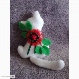 Интерьерная игрушка Кошечка