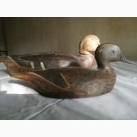 Старинная деревянная утка обманка с утенком