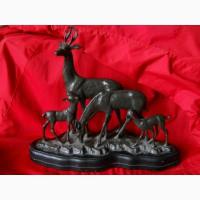 Старинная бронзовая настольная скульптура Семейство оленей