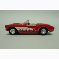 Масштабная модель автомобиля Chevrolet Corvette 1957 1:43