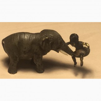 Продажа, венская полихромная бронза, 1890-1914 гг, мальчик катается на хоботе слона''