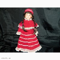 Фарфоровая Кукла Laura -The Classique Collection