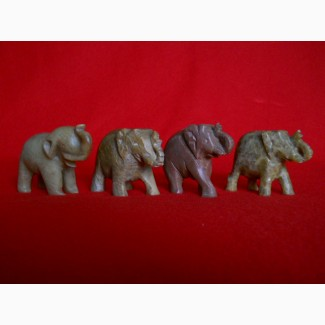 Миниатюрные слоны из натуральных камней