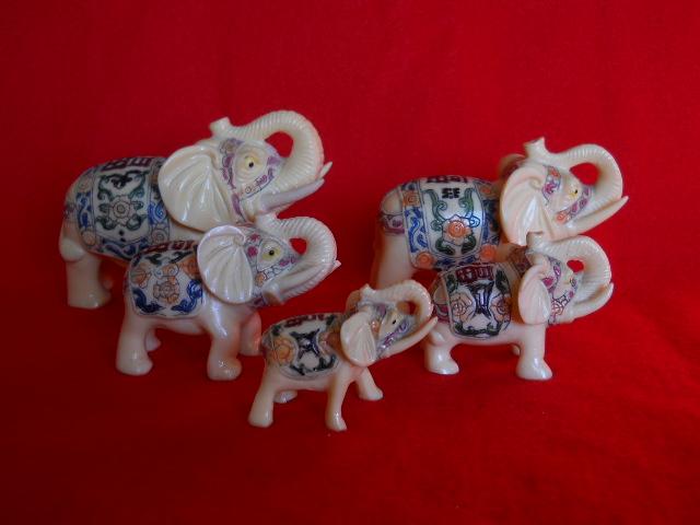 Фото 2. Индийские слоны