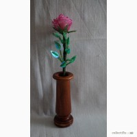 Роза с бисера в вазе