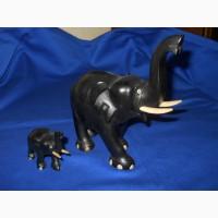 Слоны из черного дерева