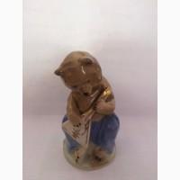 Продам фарфоровая статуэтку