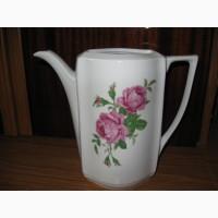 Старинный фарфоровый чайник