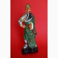 Большая Китайская пластмассовая статуэтка