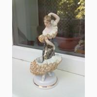 Статуэтка Танцовщица. Кружевной фарфор