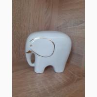 Фарфоровая статуэтка слона