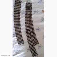 Коллекция миниатюрных моделей города и железной дороги