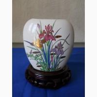 Миниатюрная вазочка для цветов Ирис
