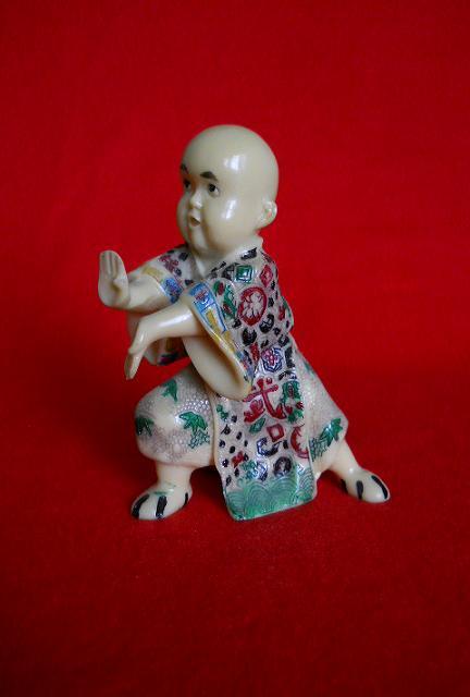 Фото 2. Японская статуэтка