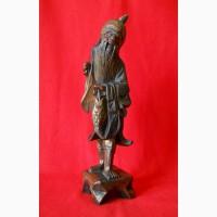 Китайская старинная деревянная статуэтка